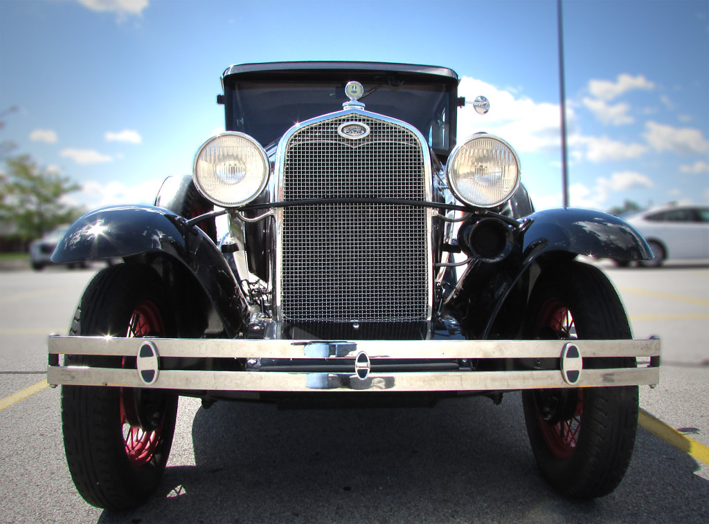 Old car picture ford