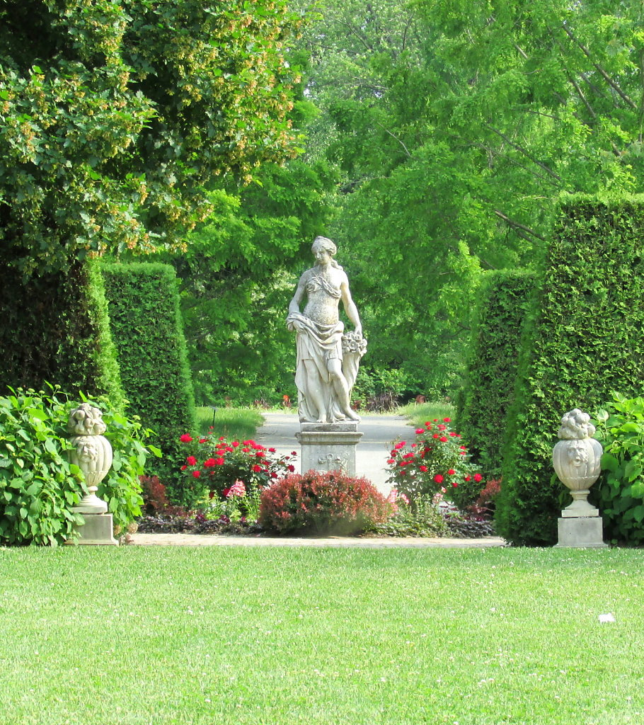 Center statue in the garden